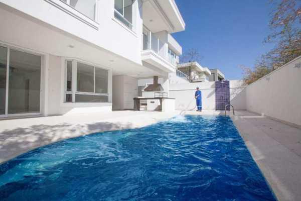 fornecimento de água para abastecimento de piscinas